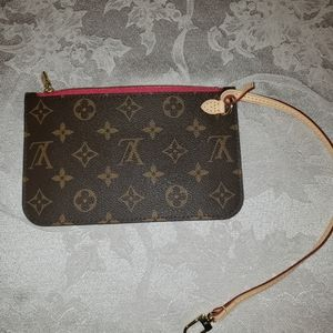 Louis Vuitton pouchette pm